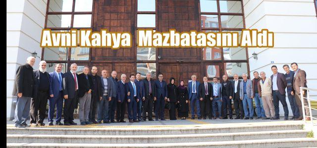 Ardeşen Belediye Başkanı Avni Kâhya Mazbatasını Aldı