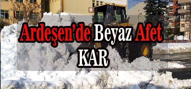 Ardeşen Belediyesi Karla Mücadelesini Aralıksız Sürdürüyor