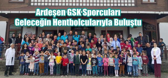 Ardeşen GSK Hentbol Takımından Topluca  Köy Okuluna Ziyaret