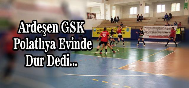 Hentbol Bayanlar Süper Ligi 22. Hafta Erteleme Maçı, Ardeşen'de Oynandı.