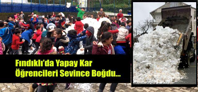 Rize Fındıklı'da Okullara Kamyonlarla Kar Taşındı